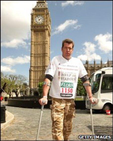 Major Phil Packer completing the London Marathon